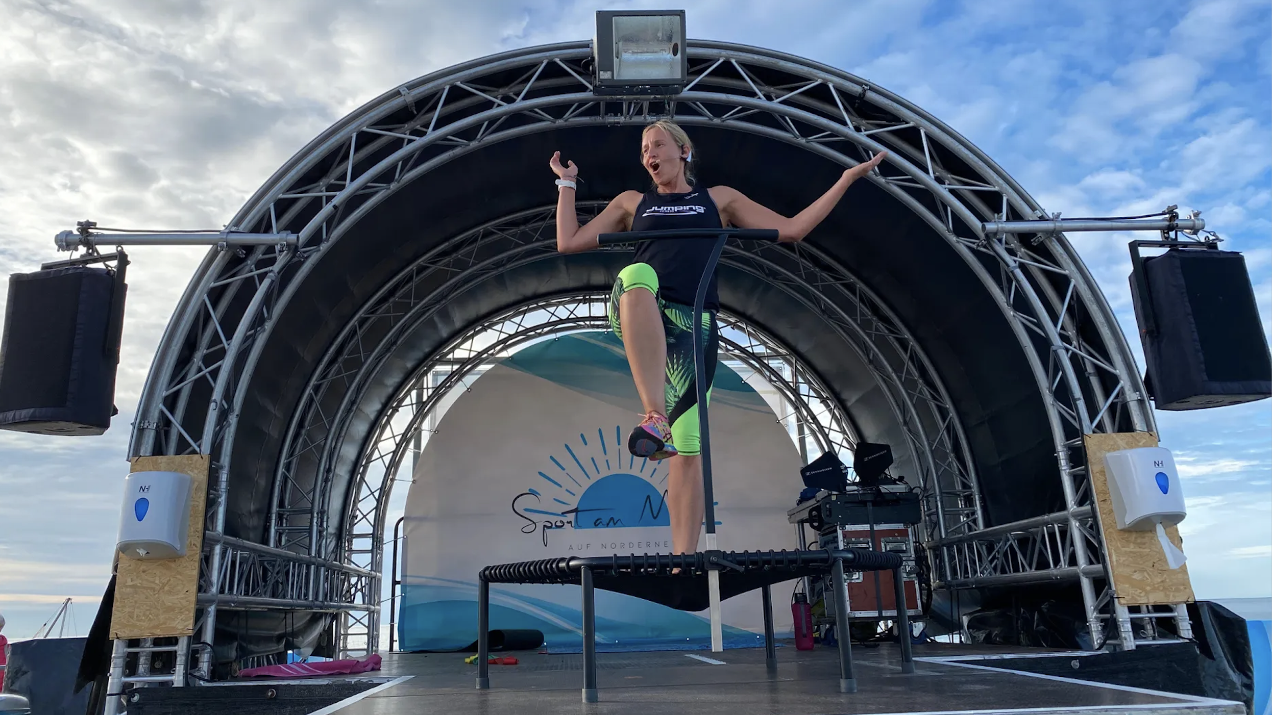 Jumping Fitness am Meer